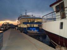 Kroatien, Zadar, skönhet, historia, skepp och folk royaltyfria bilder