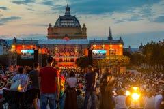 Kroatien, Zagreb am 21. Juni allgemeines Konzert der offenen Tür vor Kunstpavillon in Zagreb-Hauptstadt von Kroatien lizenzfreies stockfoto