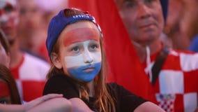 Kroatische voetbalventilators stock video