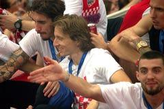 Kroatisches Fußballteam feiert auf dem Busdach Lizenzfreies Stockfoto