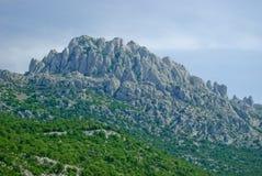 Kroatiska kust- berg nära Zadar Fotografering för Bildbyråer