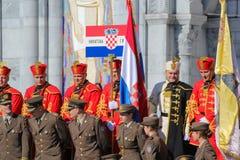 Kroatiska soldater på den militära pilgrimsfärden i Lourdes, Frankrike Arkivbilder
