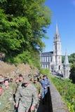 Kroatiska soldater på den militära pilgrimsfärden i Lourdes, Frankrike Royaltyfri Foto