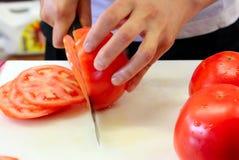 krojenie pomidorów Fotografia Stock