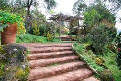 Krok Ogrodowa brama Zdjęcia Royalty Free