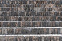 Kroki brukujący z czarną cegłą w antycznym Chiny obraz stock