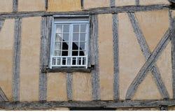 Krokigt fönster Royaltyfri Fotografi