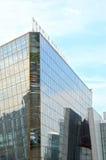 Krokus-Stadt-Hall Crocus Group Moscow Blue-Himmel-Sonnenlicht Stockfoto