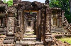 Krol Ko寺庙,装饰门道入口破坏天 免版税库存图片