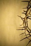 Kronan av taggar föreställer Jesus Crucifixion på långfredag Arkivfoto