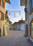Kronehotell i den Thun staden Hall Square med julgarnering Arkivbilder