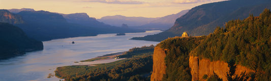Kronen-Punkt, der Kolumbien-Fluss übersieht ODER Lizenzfreies Stockfoto