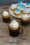 Kronen-und Schneeflocke-Muffins Lizenzfreie Stockfotos