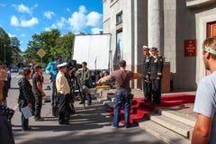 Kronstadt, RUSSLAND - 5. September 2012, Schauspieler Dmitry Ulyanov, Maksim Averin und Mitya Labush auf dem Satz der Fernsehseri Stockbild