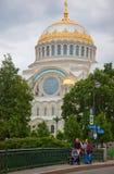 Kronstadt St Nicholas (hav) domkyrka arkivbild