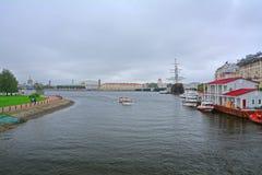 Kronverksky przejście przy fortecą, widok Vasilevsky wyspa w świętym Petersburg i, Rosja Fotografia Stock