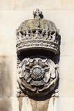 Kroon en Tudor Rose Carving bij de Universiteit Cambridge van de Koning stock afbeeldingen