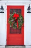 Kroon op rode voordeur Royalty-vrije Stock Foto