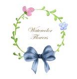Kroon van bloemen en blauwe boog in waterverfstijl met witte achtergrond royalty-vrije illustratie