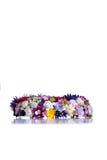 Kroon van bloemen op geïsoleerde achtergrond met bezinning Royalty-vrije Stock Foto's