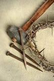 Kroon van Doornen, Spijkers en Hamer stock foto