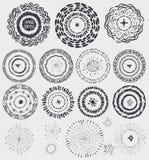 Kroon van het krabbel de artistieke patroon, kader, burstBlack vector illustratie