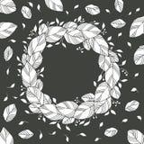Kroon van zwart-witte bladeren Royalty-vrije Stock Foto's