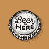 Kroonkurk van het ambachtbier met brouwende inschrijving in uitstekende stijl stock foto