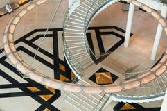 Kroonluchter het hangen in museum van Islamitische kunst, Doha, Qatar Royalty-vrije Stock Afbeeldingen