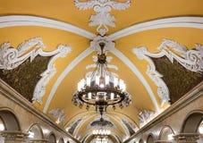 Kroonluchter in metro van Moskou Royalty-vrije Stock Fotografie