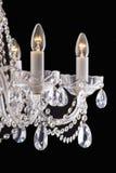Kroonluchterlicht in binnenland, Chrystal-kroonluchterclose-up kristaldeel van kroonluchter, kroonluchter, verlichting, materiaal Stock Fotografie