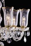 Kroonluchterlicht in binnenland, Chrystal-kroonluchterclose-up kristaldeel van kroonluchter, kroonluchter, verlichting, materiaal Royalty-vrije Stock Fotografie
