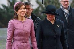 Kroonprinses Mary Elizabeth van Denemarken en Presidentsvrouw van Letland, Iveta Vejone royalty-vrije stock afbeelding