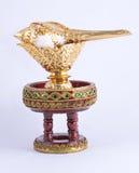 Kroonslakshell op gouden dienblad voor Thais huwelijk Stock Fotografie