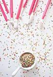 Kropi i tort dekoraci narzędzia Obrazy Stock