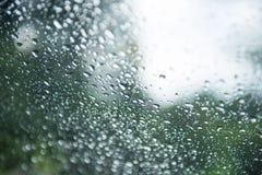 Kropla woda od deszczu na szkle Zdjęcia Stock