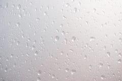 Kropla woda od deszczu na szkle Zdjęcia Royalty Free