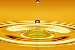 Kropla wodny złoto zdjęcie stock