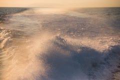Krople chełbotanie woda zdjęcie royalty free