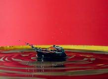 Krople woda tworzą cudownych momenty fotografia stock