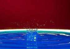 Krople woda tworzą cudownych momenty zdjęcie stock