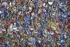 krossade aluminum cans Arkivfoto