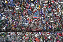 krossade aluminum cans Royaltyfri Bild