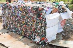 Krossade Tin Cans For Recycling Royaltyfri Bild