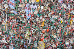 Krossade Tin Cans For Recycling Royaltyfri Foto