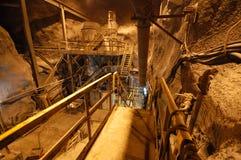 krossande stationstunnelbana Arkivfoto