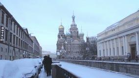 Krovi del na de los balnearios de la iglesia St Petersburg Rusia almacen de metraje de vídeo