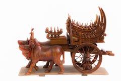 Krowy i fur drewniana sztuka w Thailand Obraz Royalty Free