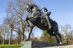 Körperliche Energie-Statue in Kensington-Gärten in London Stockfotografie