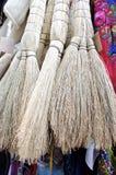 Krótkie słomiane miotły Zdjęcie Royalty Free